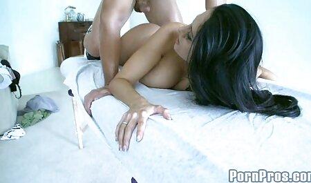 फाट गधा वेश्या अमरा रोमानी बीएफ सेक्सी मूवी फुल एचडी ने अपने स्टड के मोटे लंड को बड़े चाव से चूसा